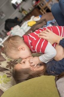 Roland Nischelwitzer Photography - Kinder Homeshooting Serie - Mia und Neo
